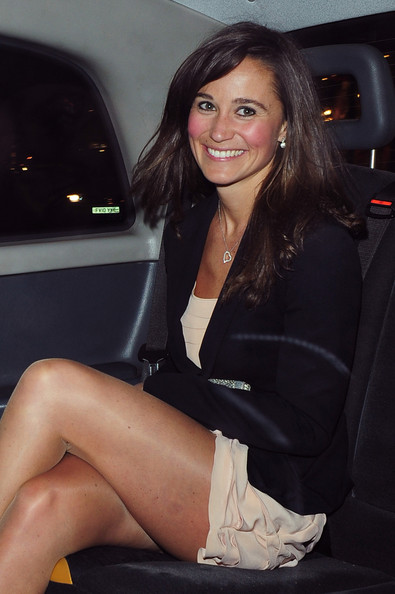 pm2 PHILIPPA MIDDLETON (PM)   JUST OFF CONCEPT