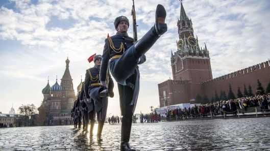 skynews-russia-honour-guards_4630366
